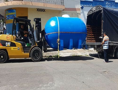 Tanque de almacenamiento de agua horizontal